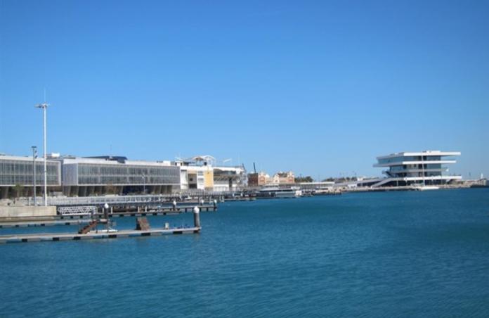Valencia-Bay