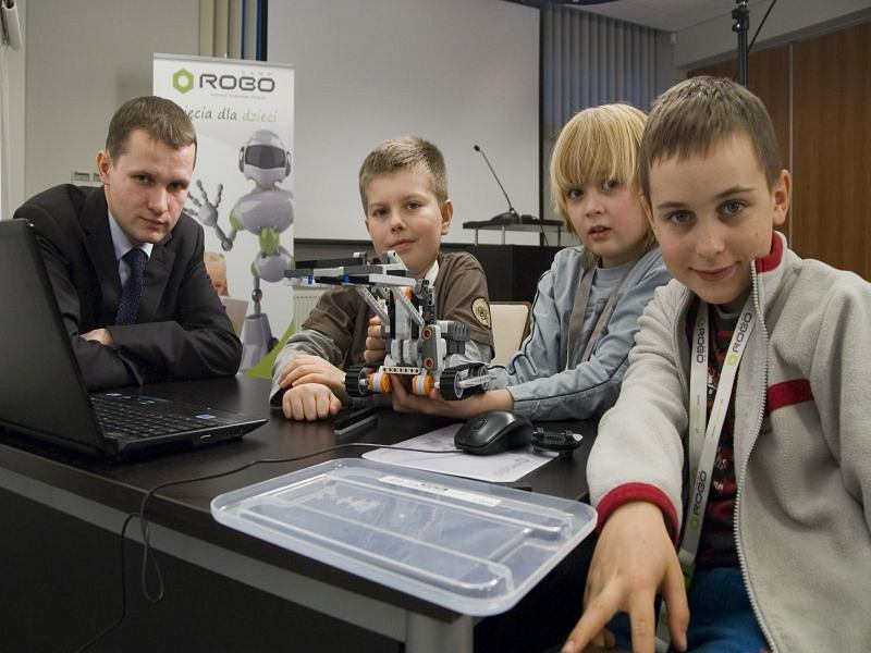 Polish creator of online textbooks for robotics and programming RoboCamp receives €467k from Alfabeat