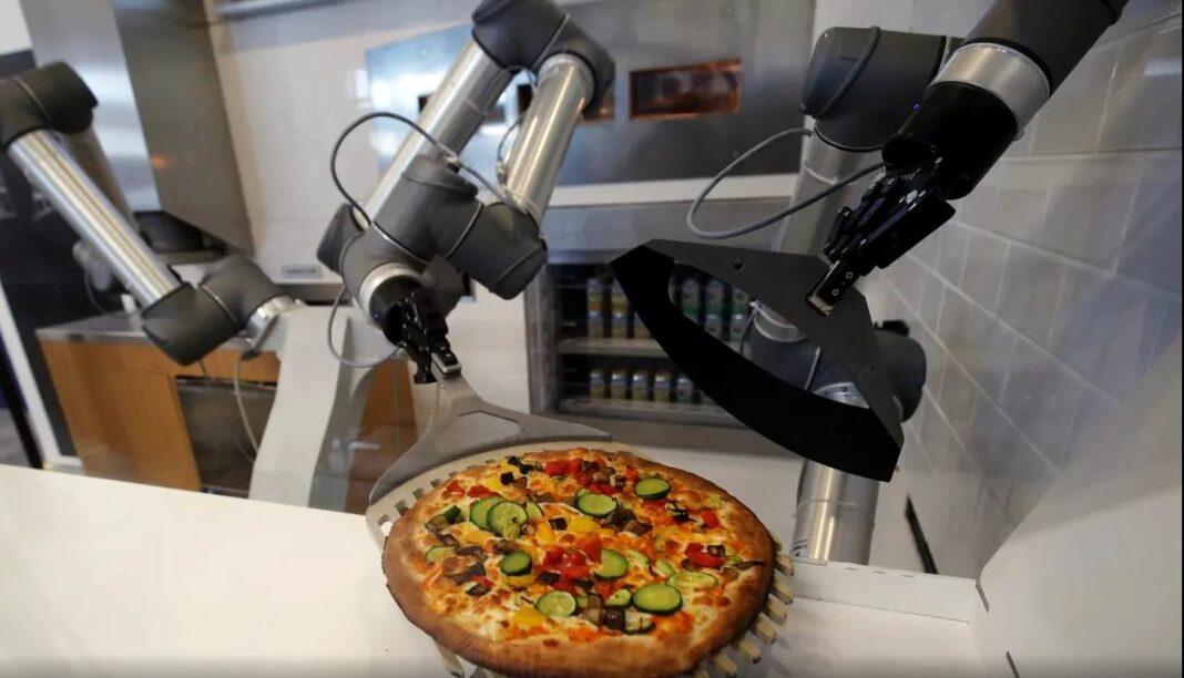 Pazzi-The Pizzaiolo Robot makes Pizzas!